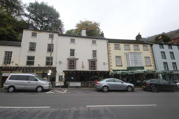 2 Bedrooms Flat for rent in Flat 2 Top Floor South Parade, Matlock, DE4