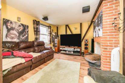 2 Bedrooms Detached House for sale in Alresford, Colchester, Essex