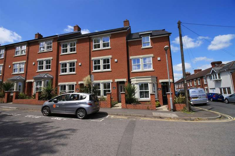 4 Bedrooms Town House for rent in Belgrave Terrace, York Road