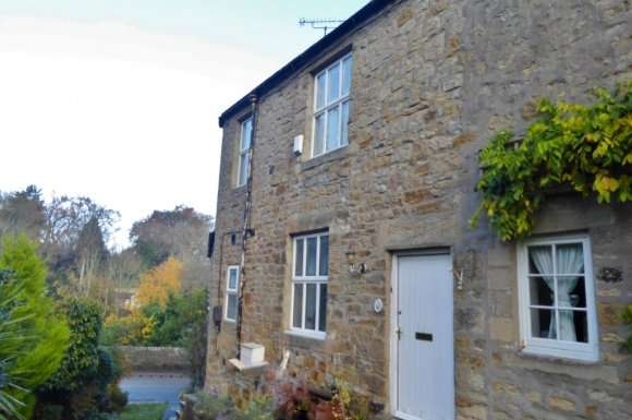 2 Bedrooms Terraced House for rent in Lincoln Terrace, Hexham, NE46