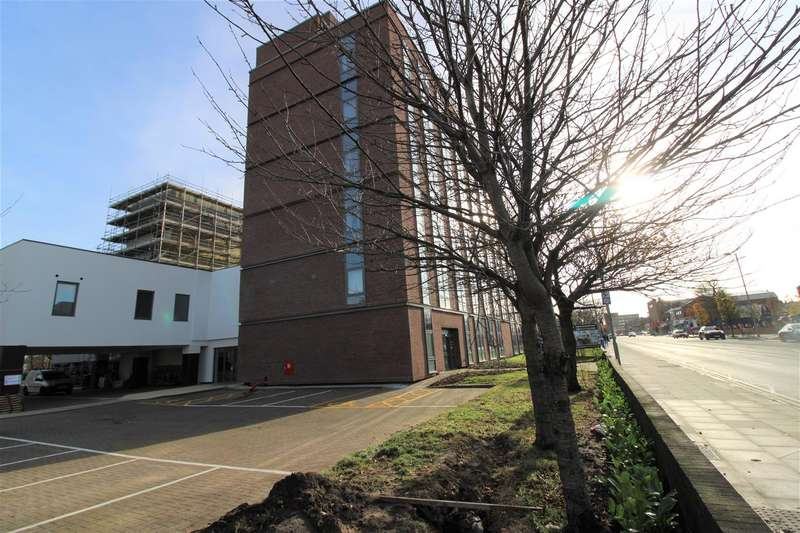 Apartment Flat for rent in Crosby Road North, Waterloo, Liverpool