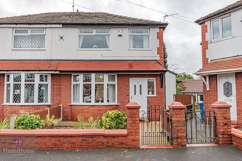 3 Bedrooms Semi Detached House for sale in Luton Grove, Atherton, Manchester, Greater Manchester. M46 0NR