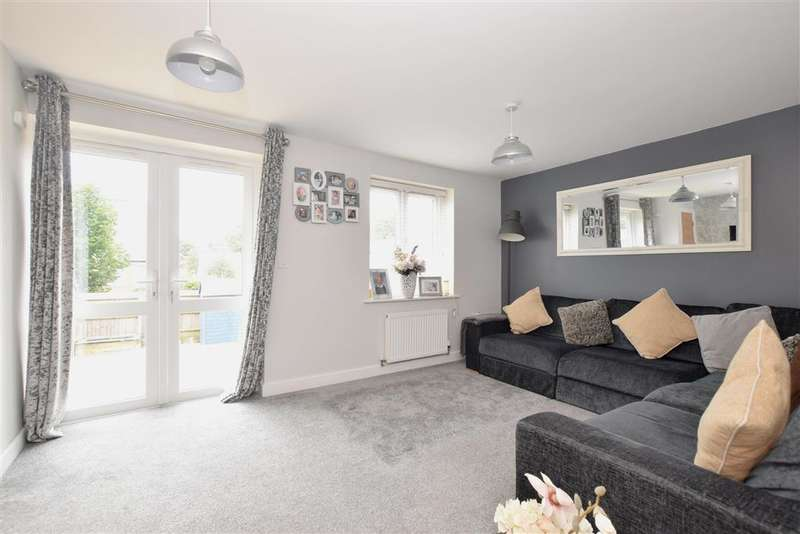 3 Bedrooms Terraced House for sale in St. Michaels Place, , Waterlooville, Hampshire