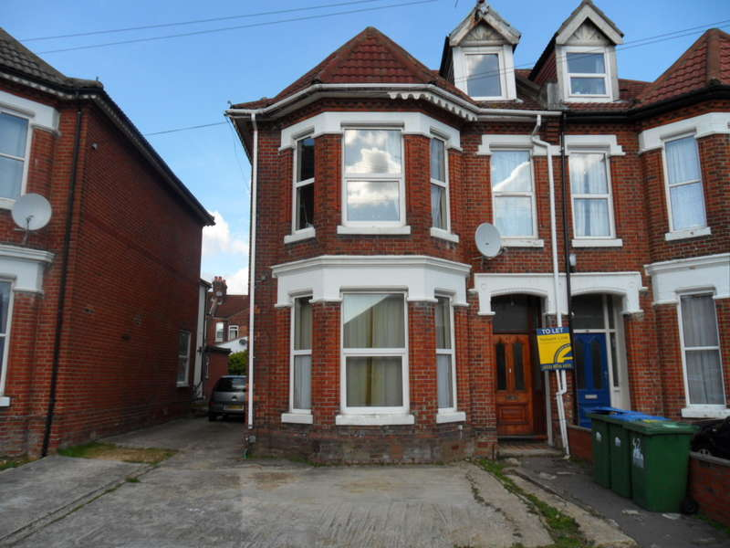 7 Bedrooms Detached House for rent in Alma Road,