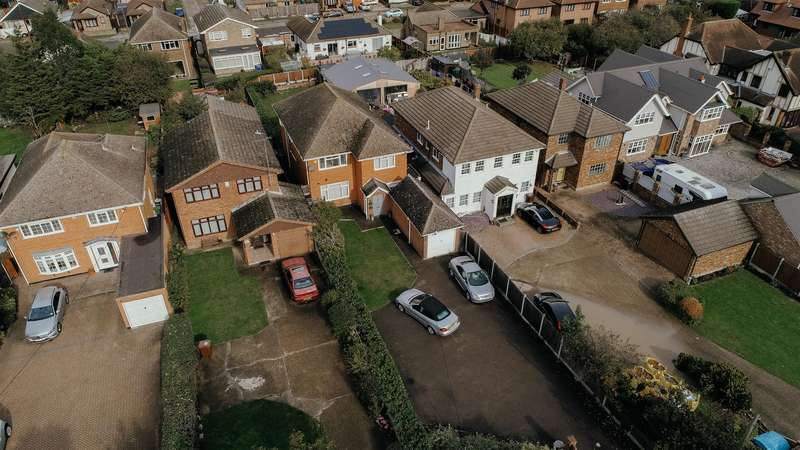4 Bedrooms Detached House for sale in Long Road, Canvey Island