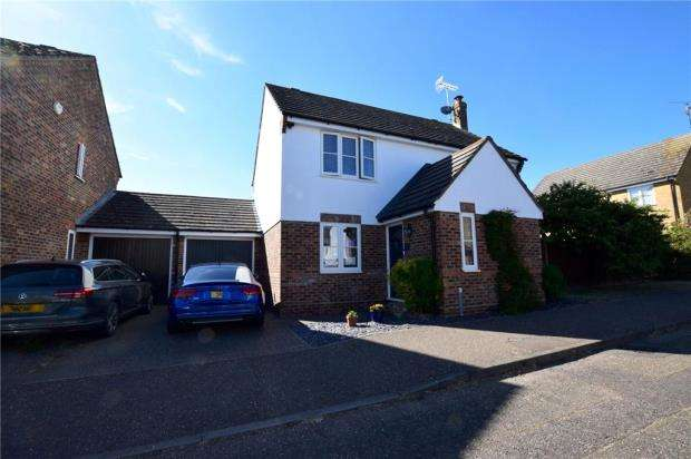 4 Bedrooms Detached House for sale in Riverside Way, Kelvedon, Essex