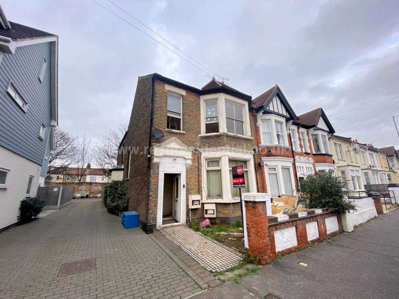 2 Bedrooms Flat for rent in South Avenue, Southend On Sea