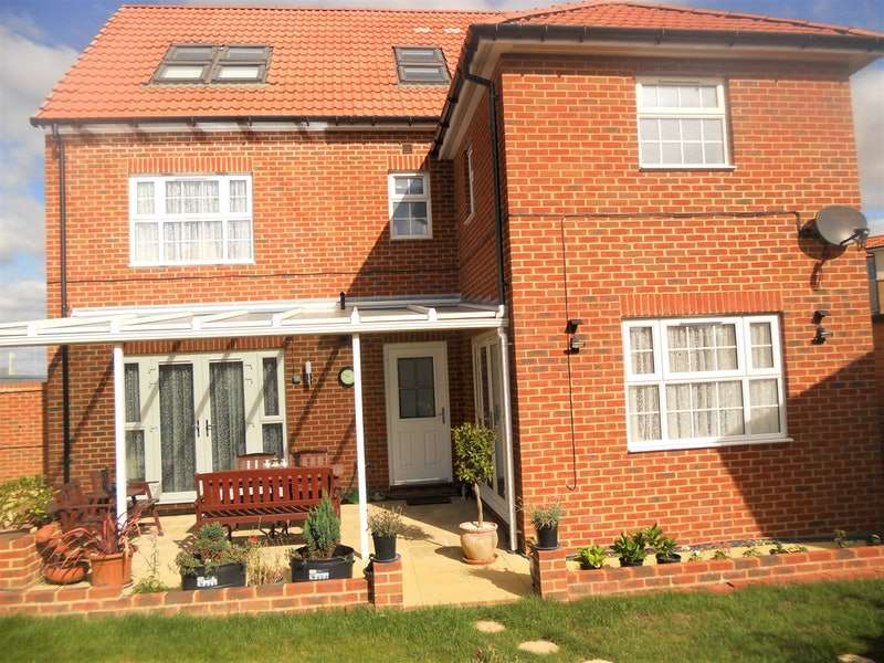 5 Bedrooms Detached House for sale in Dorman Avenue North, Canterbury, Kent, CT3