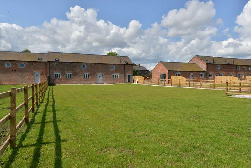 4 Bedrooms Property for sale in Rushy Lane, Barthomley, Crewe