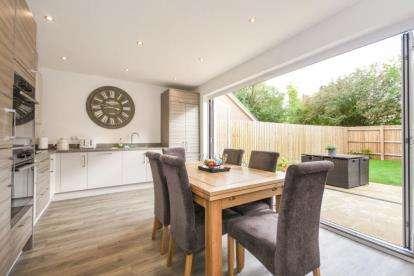 4 Bedrooms Semi Detached House for sale in Langdon Hills, Basildon, Essex
