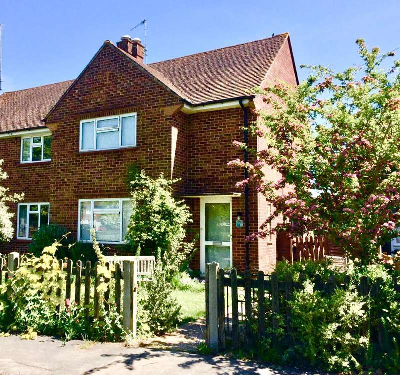 1 Bedroom Semi Detached House for rent in DOUBLE ROOM AVAILABLE, The Glebe, Leigh, Reigate, Surrey, RH2 8NL