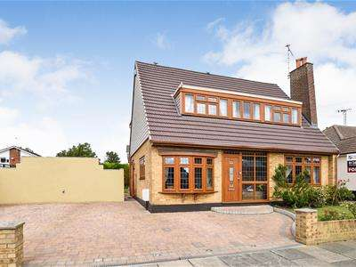4 Bedrooms Chalet House for sale in Bosworth Road, Eastwood