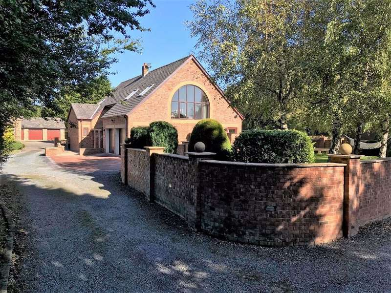 4 Bedrooms Barn Conversion Character Property for sale in Warton Lodge Farm, Preston Road, Lytham