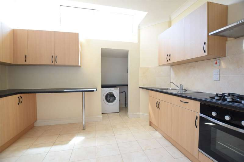 4 Bedrooms Apartment Flat for rent in Farnborough Road, Farnborough, Hampshire, GU14