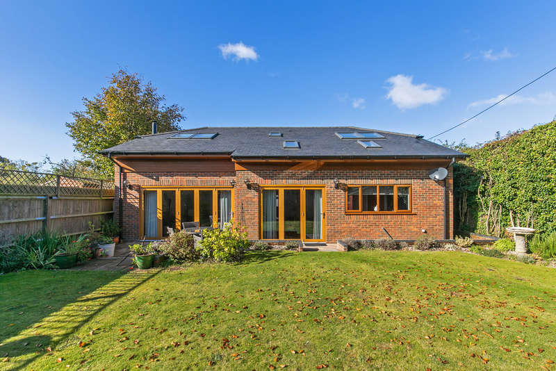 4 Bedrooms Detached House for sale in Stainers Lane, South Wonston, Winchester, SO21