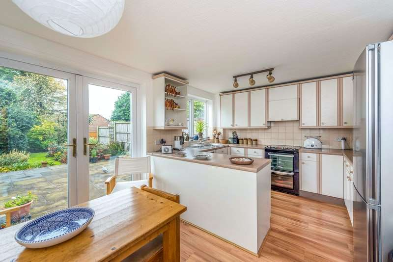 4 Bedrooms Town House for sale in Berry Close, Skelmersdale, Lancashire, WN8
