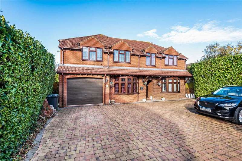4 Bedrooms Detached House for sale in Oakley Lane, Oakley