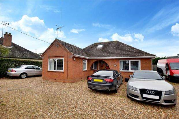 3 Bedrooms Detached Bungalow for sale in Colchester Main Road, Alresford, Colchester