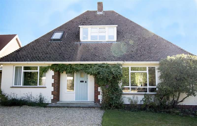 4 Bedrooms Detached House for sale in The Avenue, Porton, Salisbury