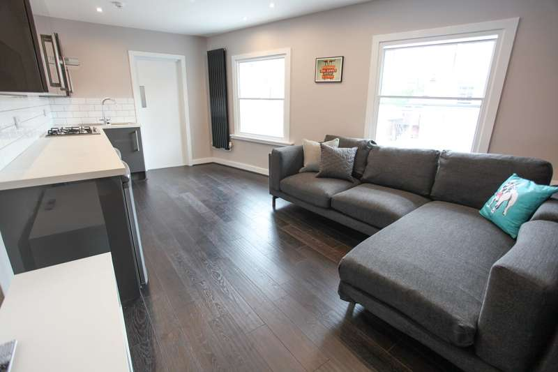 5 Bedrooms Terraced House for rent in Clarence Street, L3 5TN,