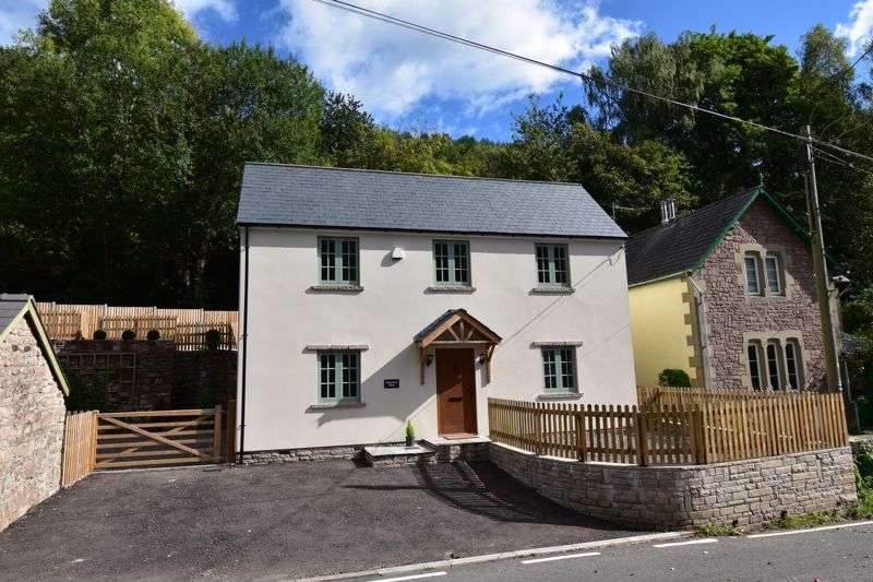 4 Bedrooms Property for sale in Upper Redbrook, Monmouth