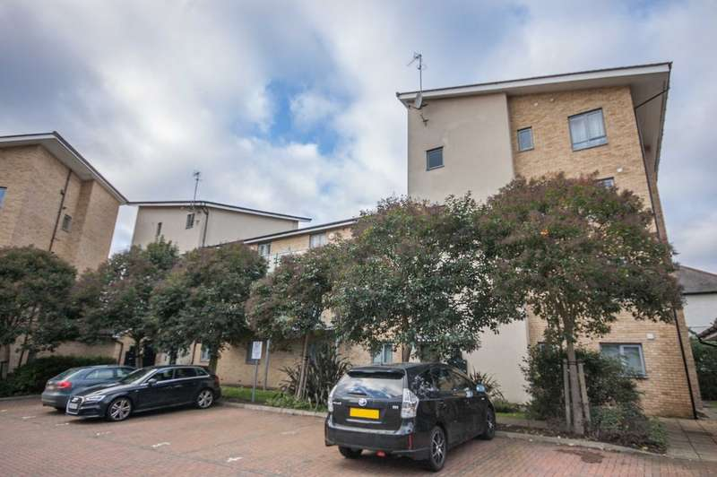 2 Bedrooms Apartment Flat for sale in Wicks Place, Chelmsford, CM1