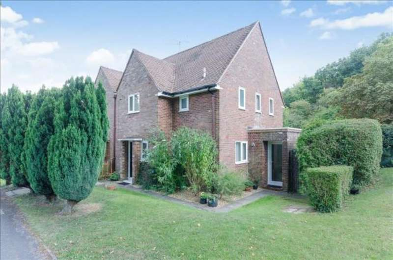 7 Bedrooms Semi Detached House for rent in Wavell Way, Winchester