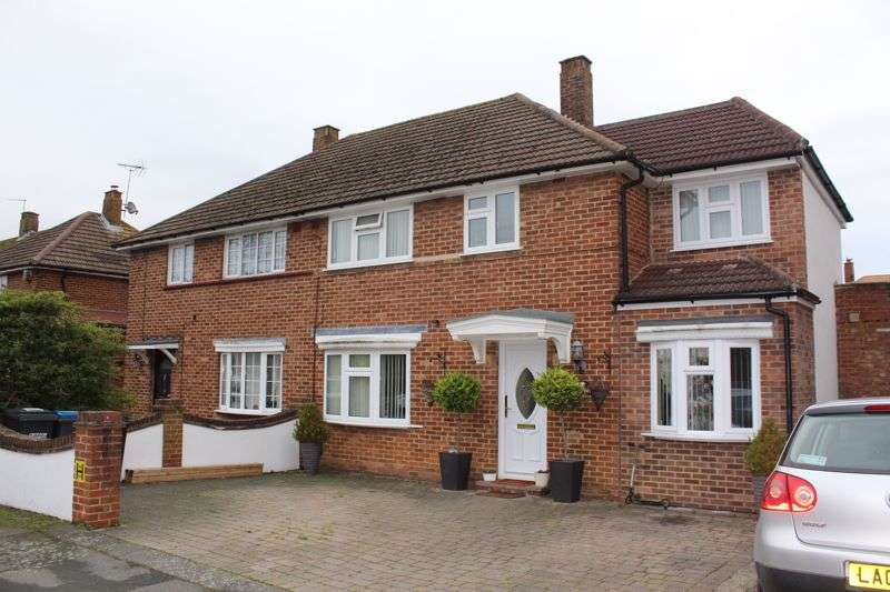 5 Bedrooms Property for rent in Uvedale Crescent, New Addington