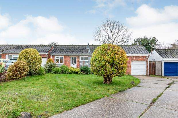 3 Bedrooms Bungalow for sale in ., Basingstoke, Hampshire