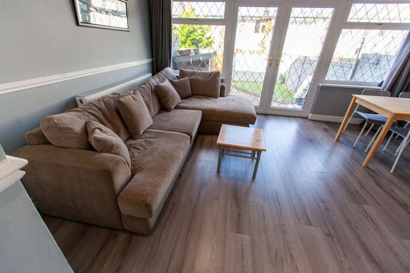 4 Bedrooms House for rent in Great Newton Street, L3 5RP,