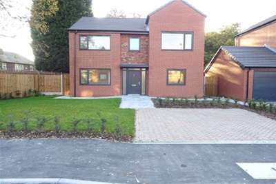 4 Bedrooms Detached House for rent in Magnalls Fold Close, M28 7HJ