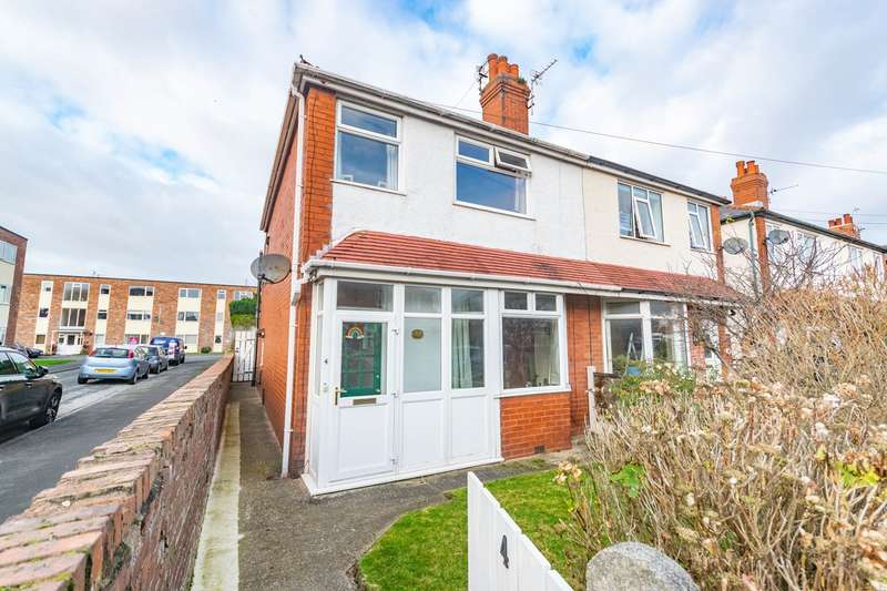 3 Bedrooms Semi Detached House for sale in Rutland Road, Ansdell, FY8