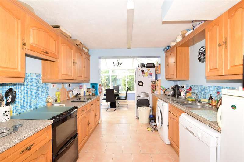 3 Bedrooms Semi Detached House for sale in Sutton Road, , Waterlooville, Hampshire