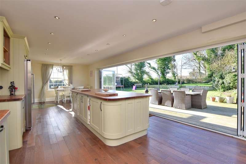 5 Bedrooms Detached House for sale in Dover Road, , Westcliffe, Dover, Kent