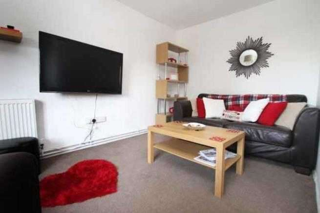 3 Bedrooms Apartment Flat for rent in Wemyss Court, Millitary road, Canterbury