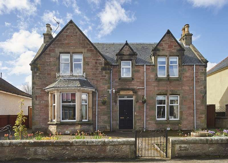 4 Bedrooms Detached House for sale in 12 Lovat Road, Crown, Inverness, IV2 3NT