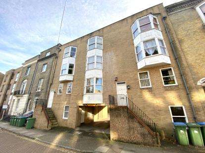 Flat for sale in Cranbury Place, Southampton, Hampshire