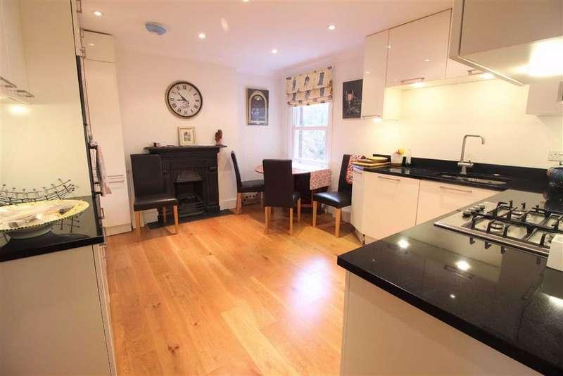 2 Bedrooms Flat for sale in Grovehurst Apartments, 49 Manor Road, Beckenham, BR3