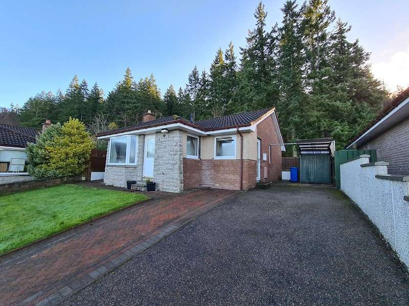 2 Bedrooms Bungalow for rent in 18 Lochlann Court, Inverness. IV2 7UF