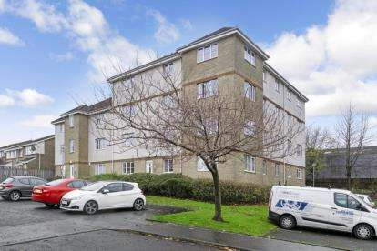 2 Bedrooms Flat for sale in Eversley Street, Tollcross, Glasgow