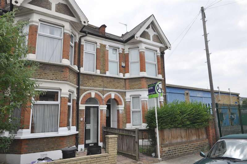 3 Bedrooms End Of Terrace House for rent in Fortescue Road, Colliers Wood