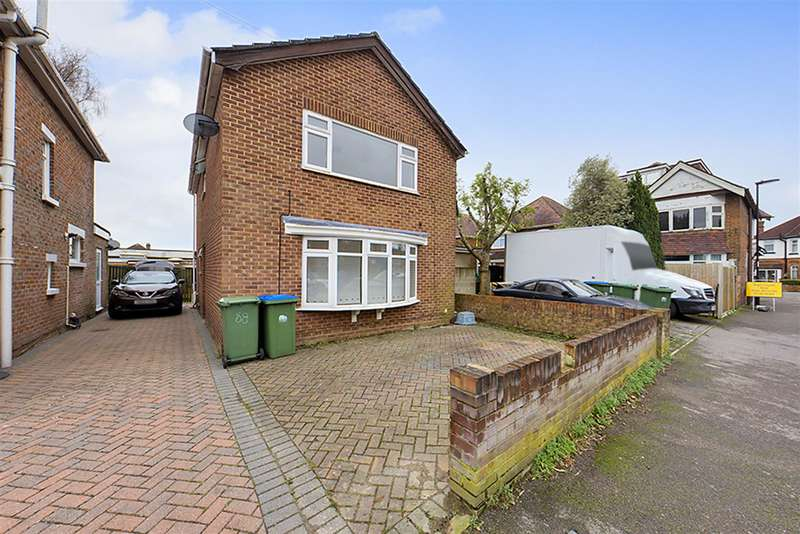 3 Bedrooms Detached House for rent in Wilton Crescent, Southampton, SO15 7QE