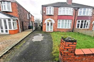 3 Bedrooms House for rent in Brantingham Road, Chorlton