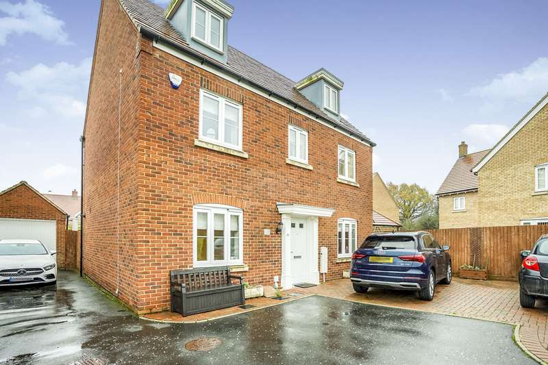 6 Bedrooms Detached House for sale in Dunnock Close, Apsley, Hemel Hempstead, Hertfordshire, HP3