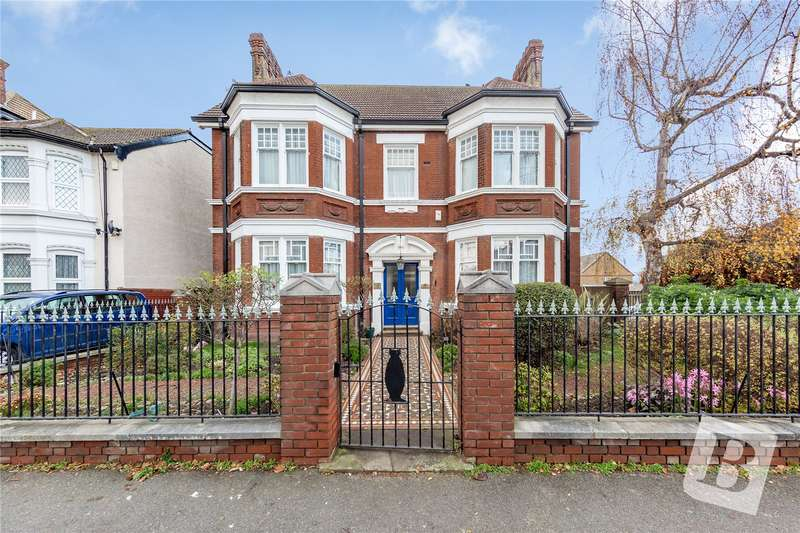 7 Bedrooms Detached House for sale in Wrotham Road, Gravesend, DA11