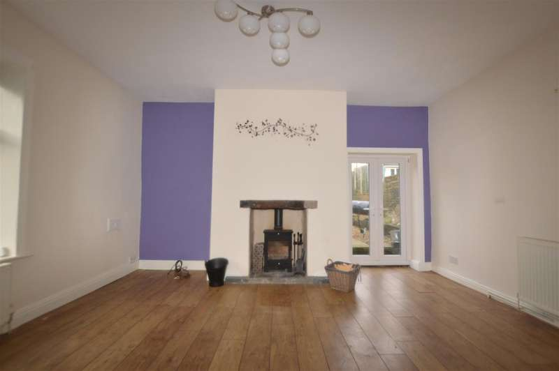 2 Bedrooms End Of Terrace House for rent in Commercial Street, Queensbury, Bradford
