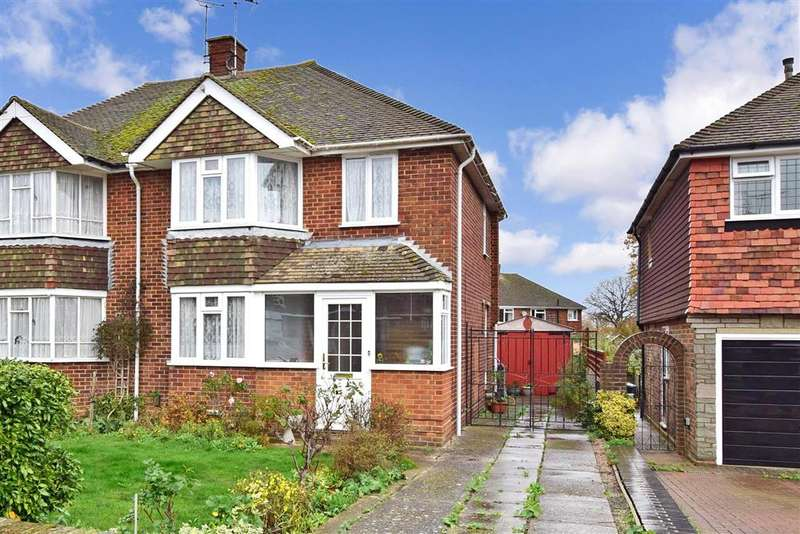 3 Bedrooms Semi Detached House for sale in Chalfont Drive, , Gillingham, Kent
