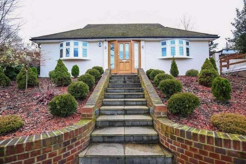 3 Bedrooms Property for rent in Ravensbourne Avenue, Bromley