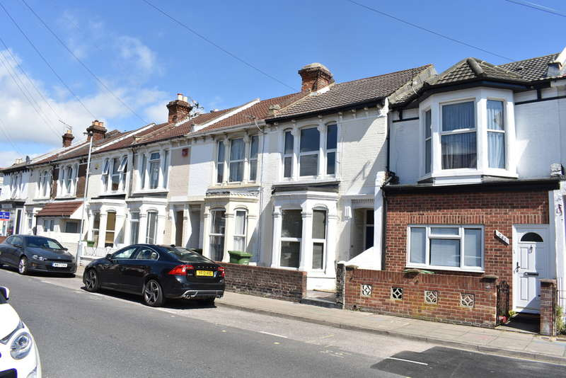 5 Bedrooms Terraced House for rent in Fawcett Road, Southsea