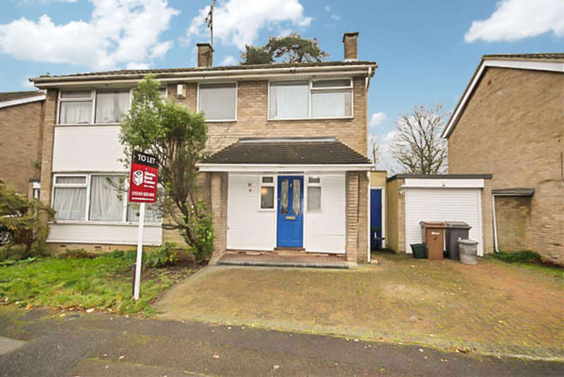 4 Bedrooms Detached House for rent in Llewellyn Close, Chelmsford